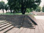 """Viena iš """"Re:formacija"""" festivalio dalių – skaitymai ant laiptų Reformatų skvere"""